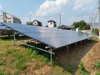 甲斐市内野立て太陽光発電所
