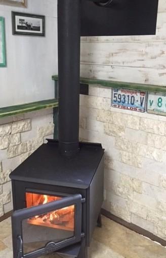 床のリフォームと暖炉完成